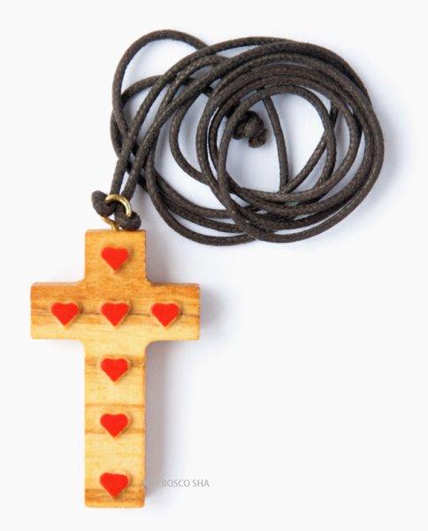 画像1: ペンダント オリーブ製 ハート柄十字架 (1)