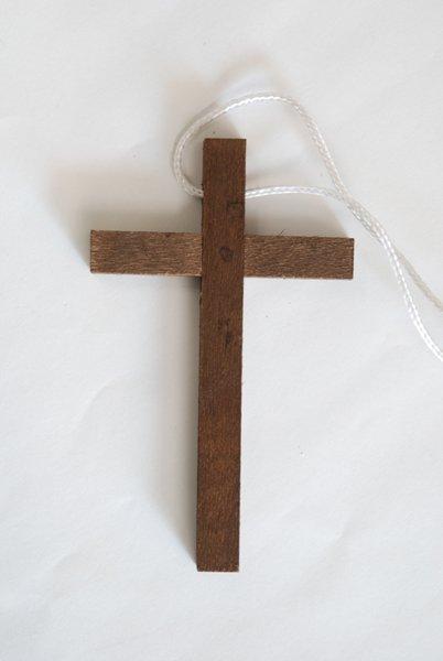 画像1: ★ペンダント 木製十字架 茶 100x60mm★ (1)